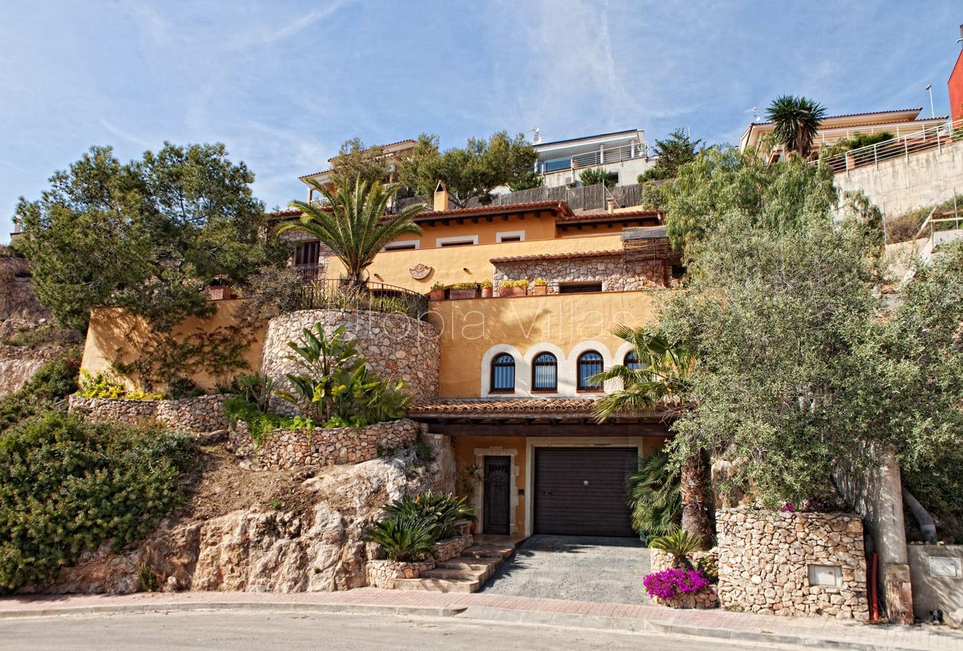 1-Exterior-Villa-Marrakech-Sitges-Barcelona