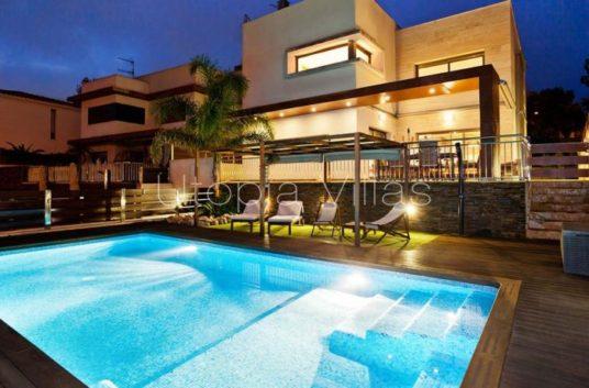 1-villa-claudia-830x460
