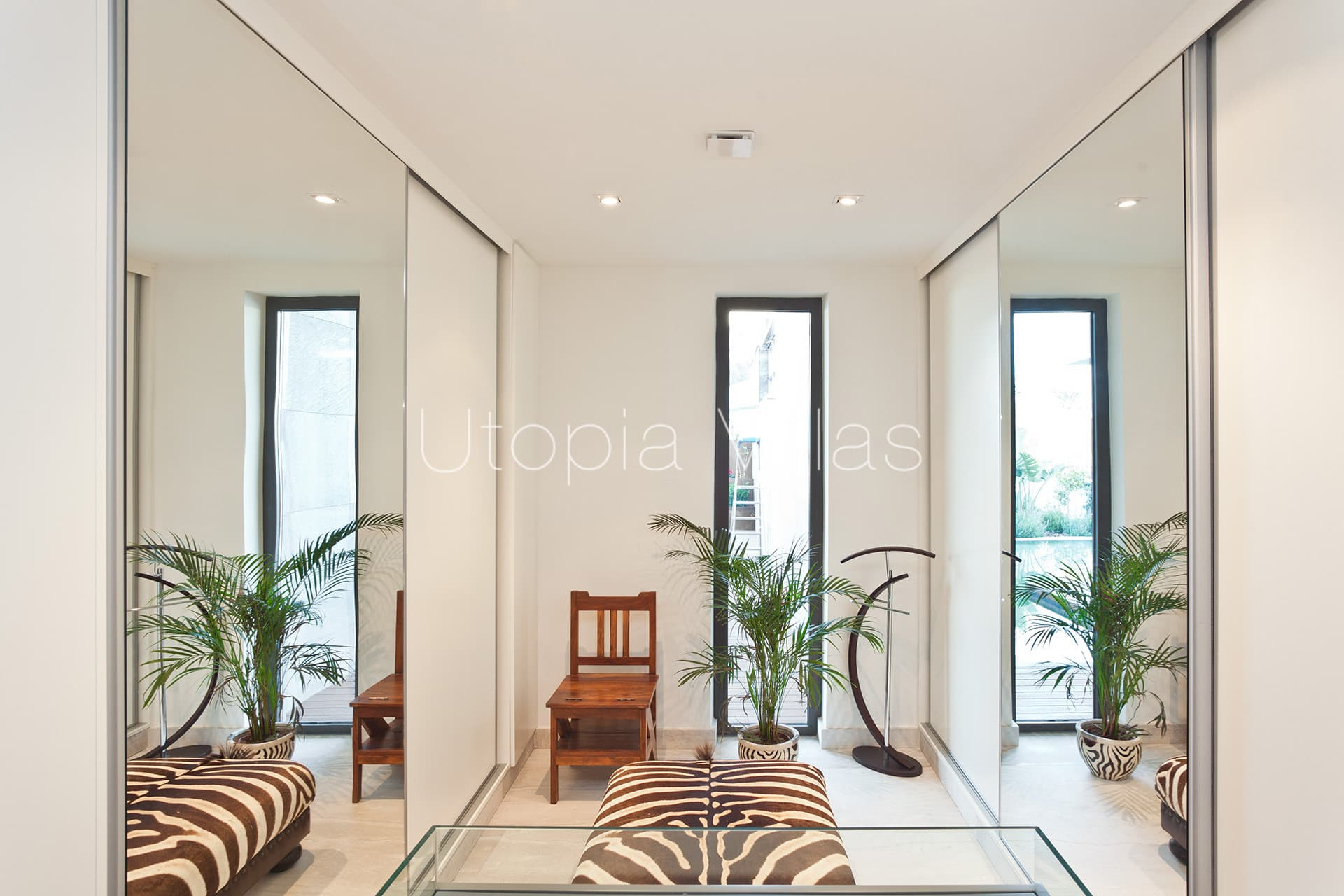 Villa Laguna in the most exclusive area of Sitges overlooking the ...