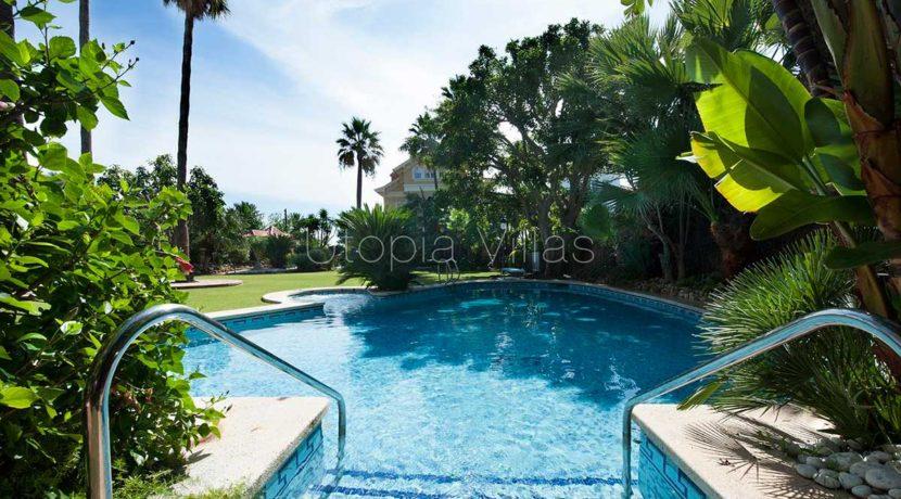 2-swimmingpool-VillaIslaCozumel-Sitges-Barcelona
