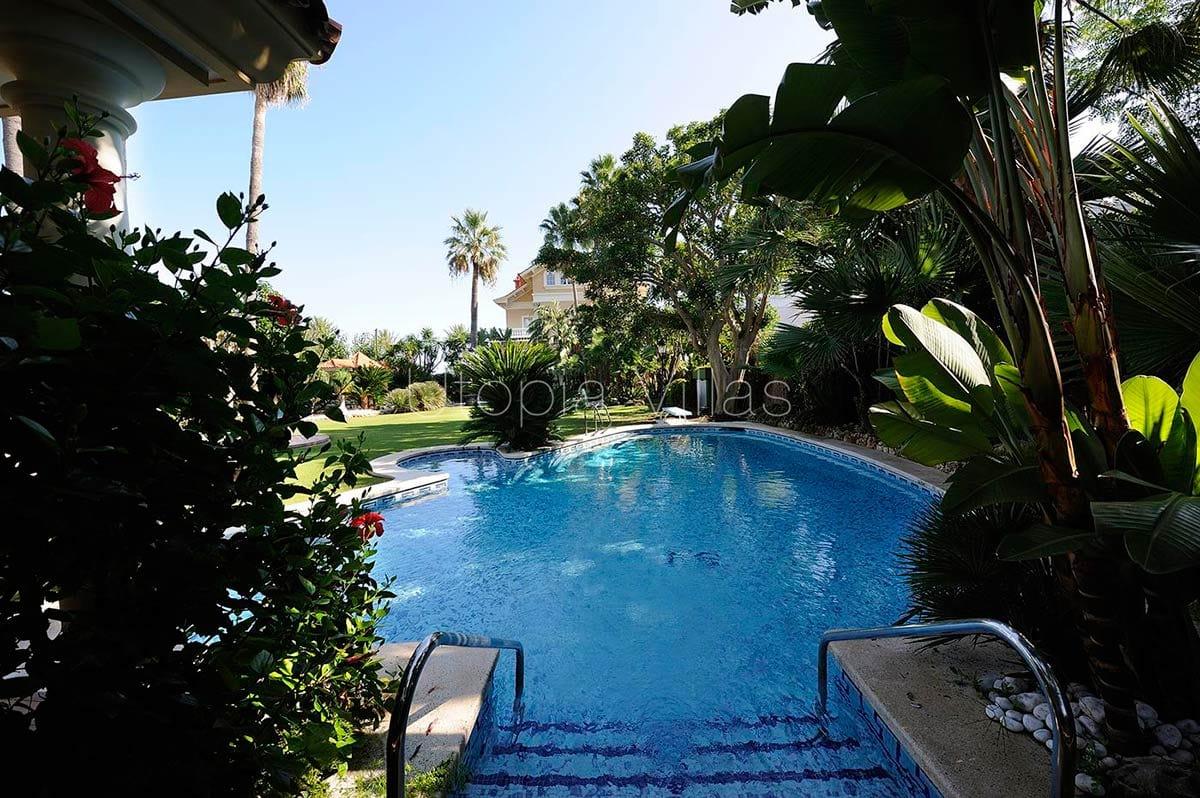 Villa Isla Cozumel Located On The Privileged Beachfront Promenade In Sitges