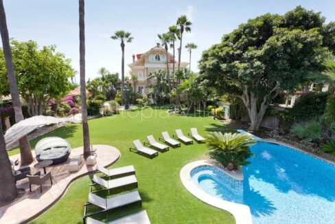 he pool and garden at Villa Isla Cozumel, in Sitges, Barcelona