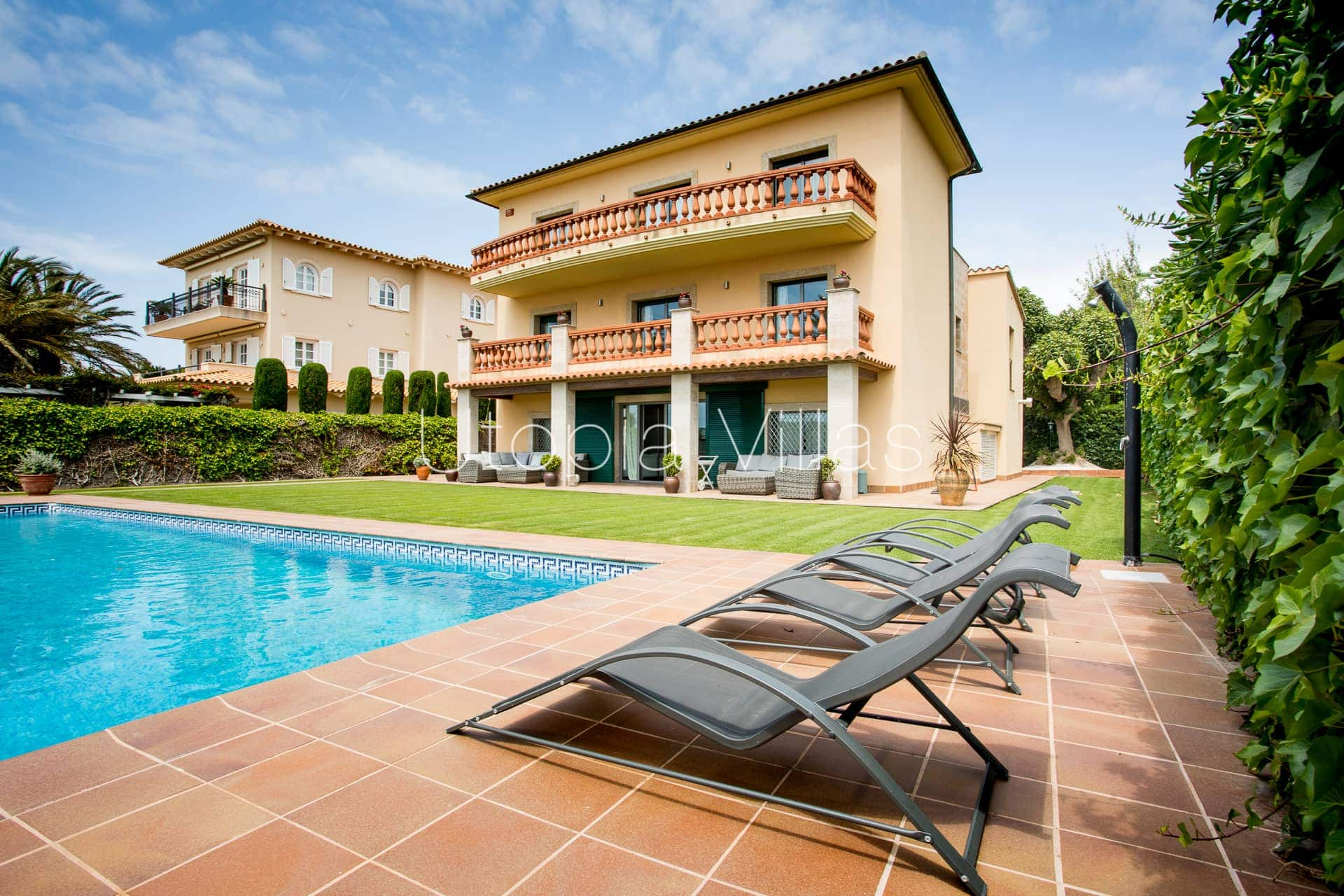 Villa Lola In Sitges A Few Steps From The Beach And