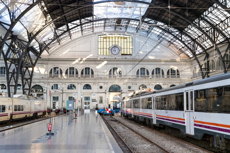 How To Travel From Sitges To Barcelona Train Bus Taxi